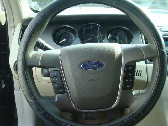 2010 Ford Taurus steering