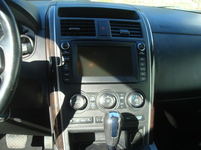 2011 Mazda CX9 radio