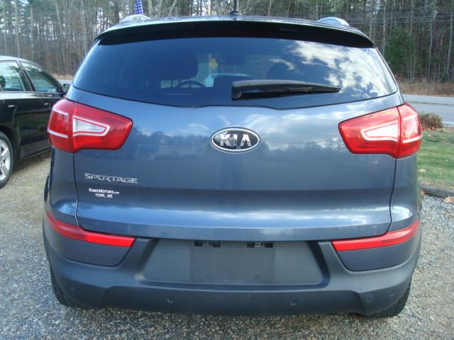 2011 Kia Sportage tail
