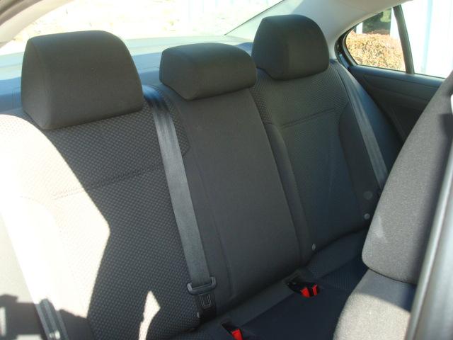 2011 VW Jetta rear seats 2
