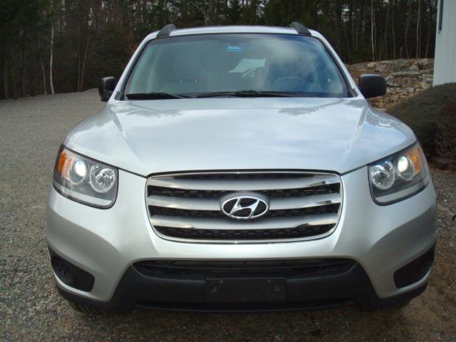 2012 Hyundai Santa Fe hood