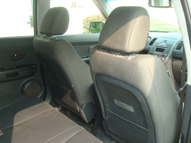 2010 Kia Soul rear seats 2