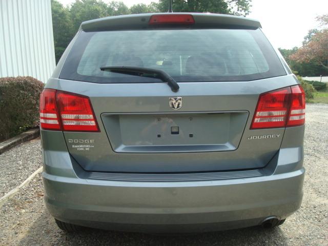 2010 Dodge Journey tail