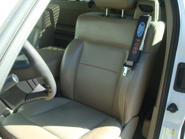 2008 Ford F-150 seat