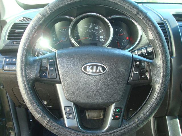 2012 Kia Sorento steering