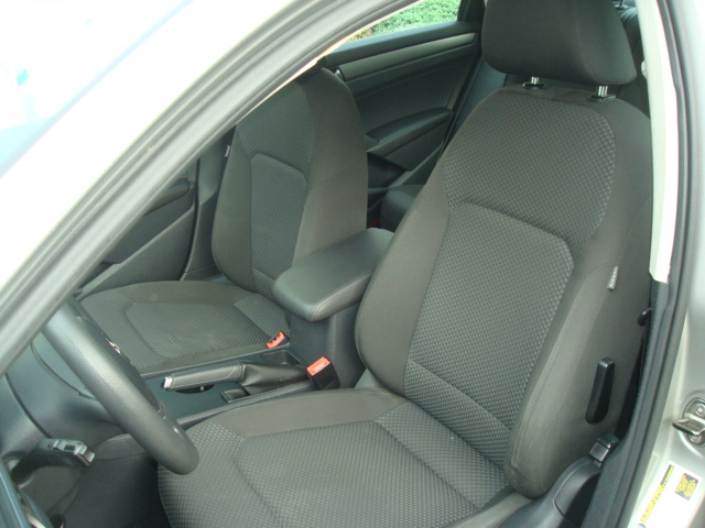 2012 VW Passat seats