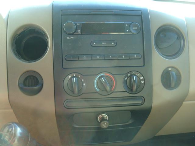 2008 Ford F-150 radio