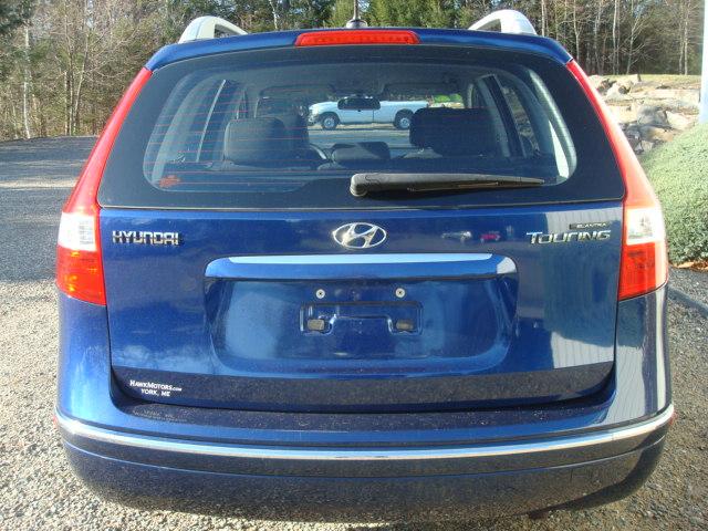 2012 Hyundai Elantra tail
