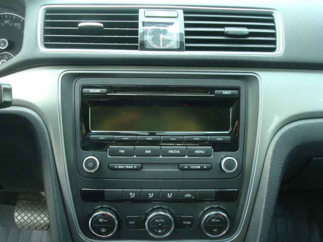 2012 VW Passat radio