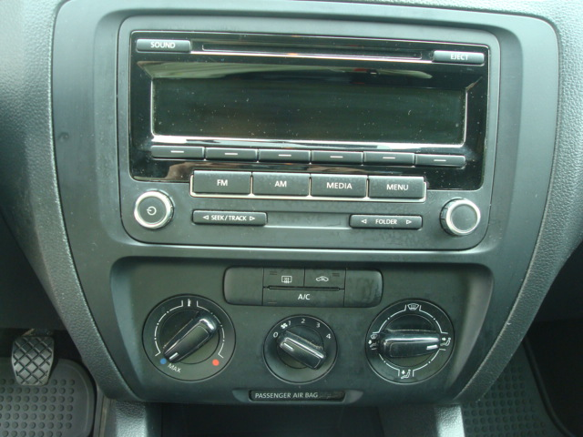 2014 VW Jetta radio