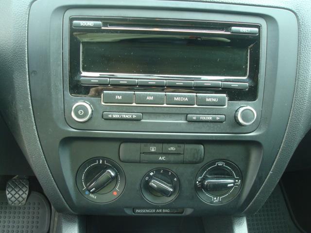 2014 VW Jetta radio