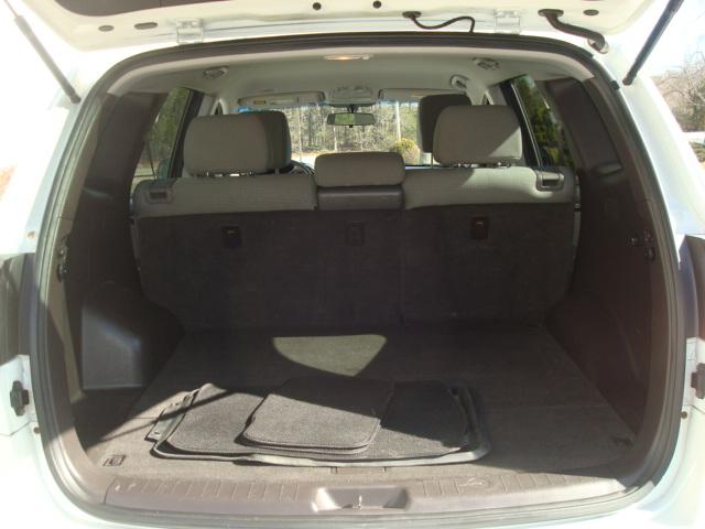 2010 Hyundai Santa Fe tail up