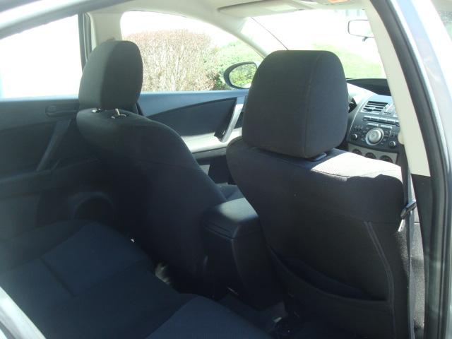 2011 Mazda 3 rear seat 2