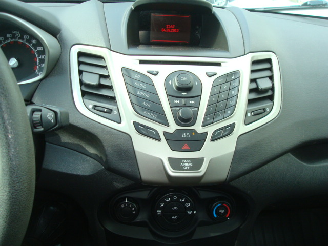 2013 Ford Fiesta radio