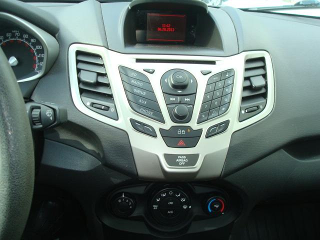 2013 Ford Fiesta radio