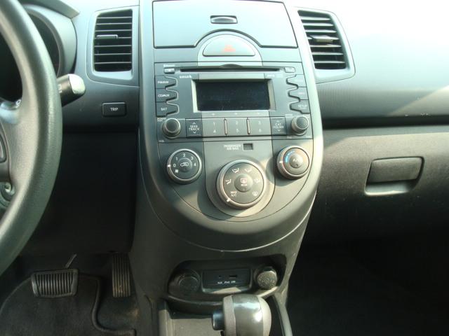 2010 Kia Soul radio