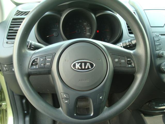 2010 Kia Soul steering