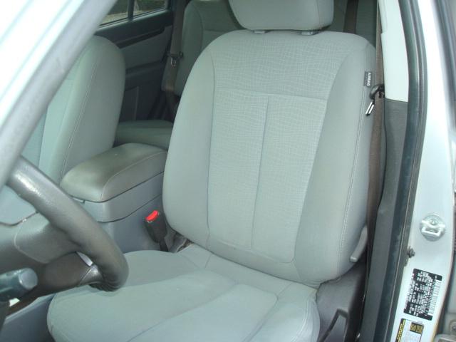 2012 Hyundai Santa Fe seat
