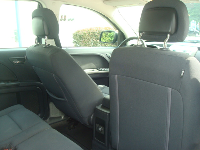 2010 Dodge Journey rear seats 2