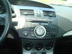 2010 Mazda 3 radio