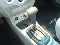2009 Hyundai Accent shift