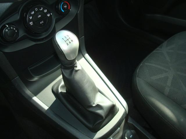 2013 Ford Fiesta shift