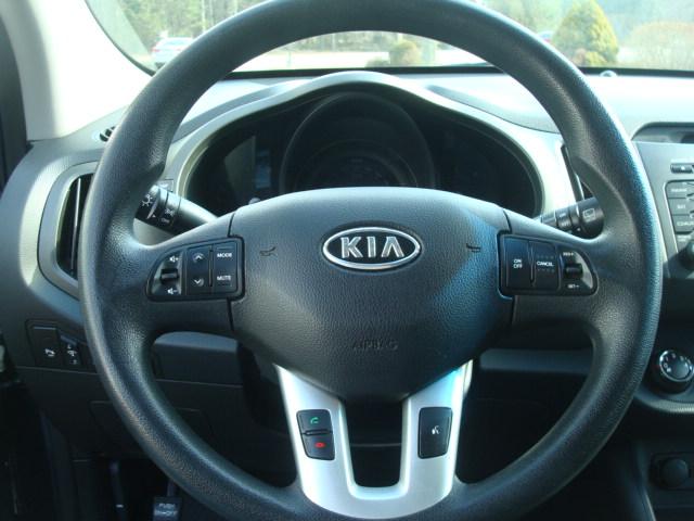 2011 Kia Sportage steering