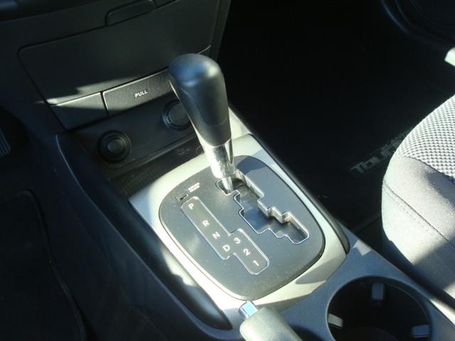 2012 Hyundai Elantra shift