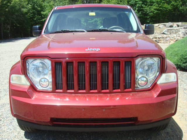 2011 Jeep hood