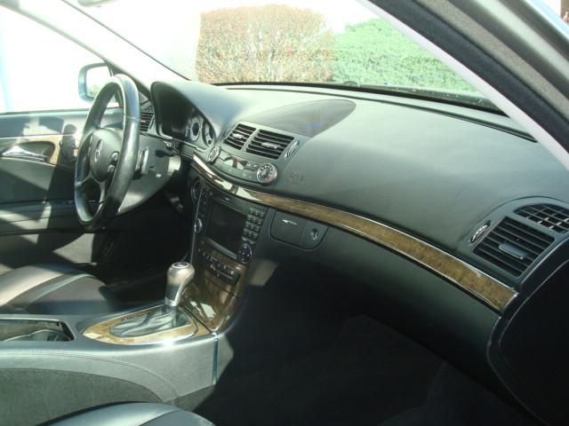 2009 Mercedes E-350 dash