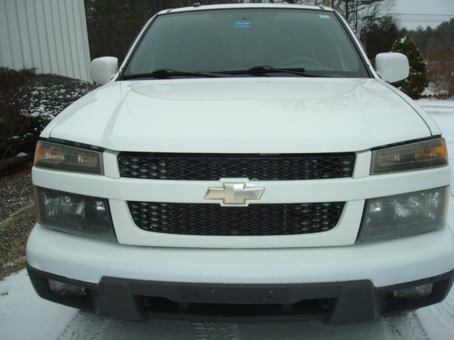 2009 Chevy Colorado hood