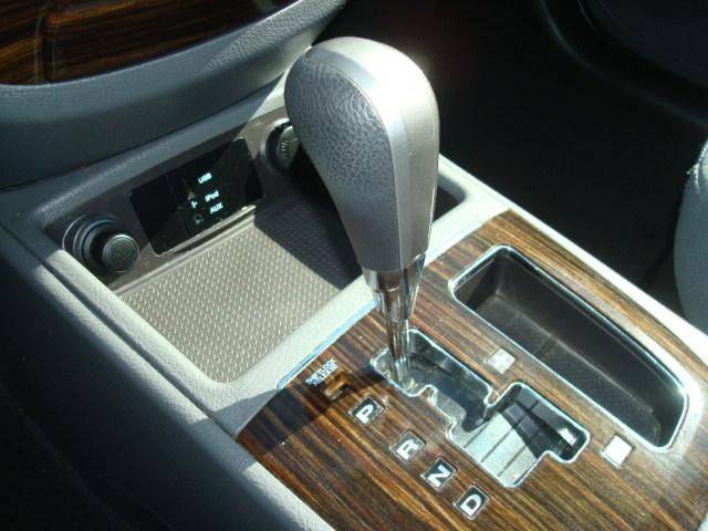 2010 Hyundai Santa Fe shift