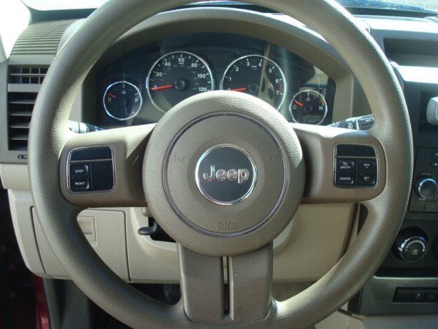 2011 Jeep steering wheel
