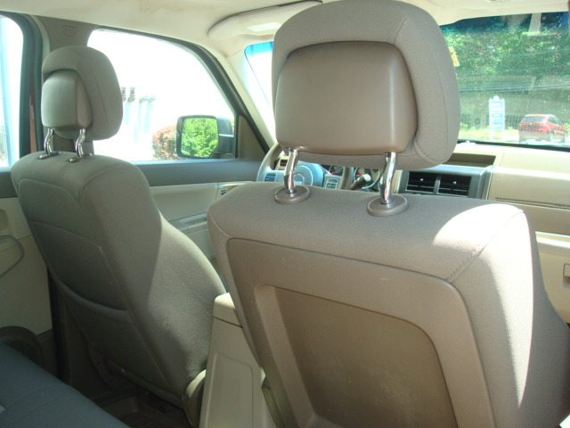 2011 Jeep rear seats 2