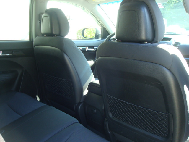 2011 Kia Sorento rear seats