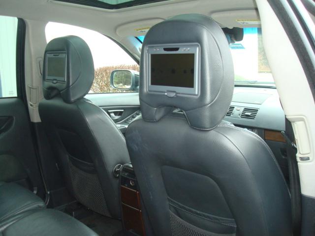 2009 Volvo XC90 rear seat 2