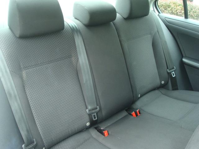 2014 VW Jetta rear seats 2
