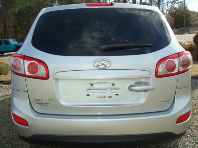 2012 Hyundai Santa Fe tail