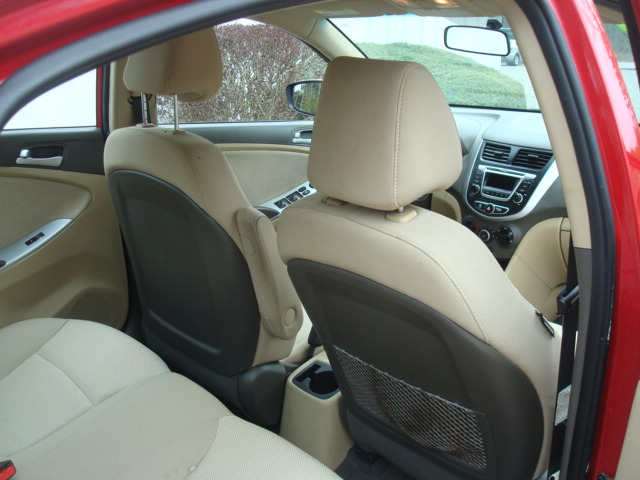 2014 Hyundai Accent rear seats