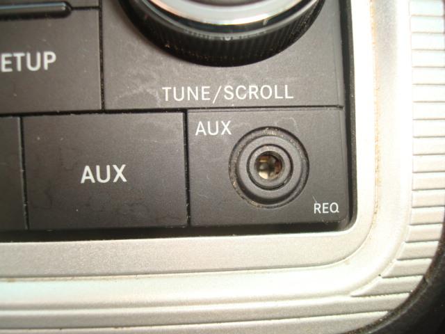 2010 Dodge Journey auxilliary input