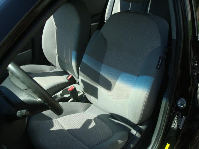 2012 Hyundai Accent seat