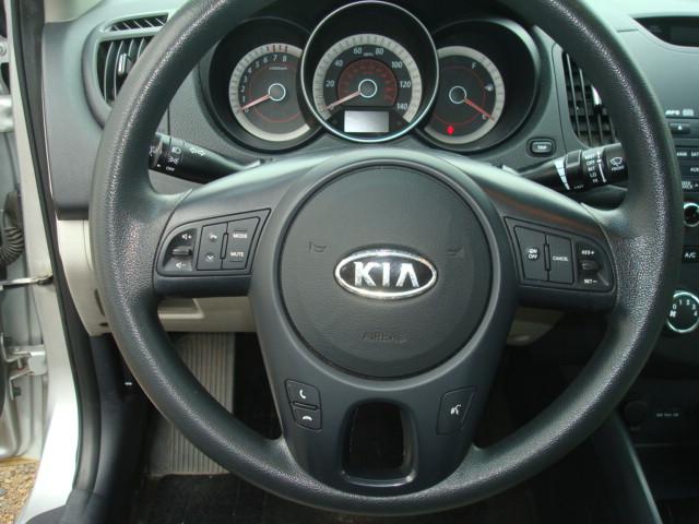 2012 Kia Forte steering