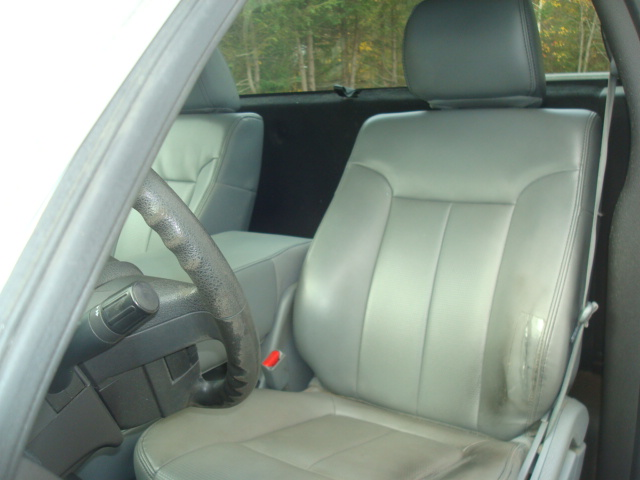 2011 Ford F-150 seat