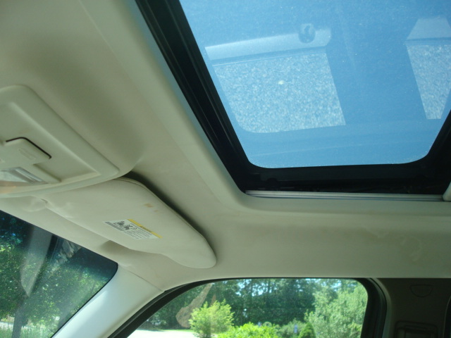 2011 Jeep sunroof