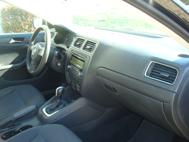 2011 VW Jetta dash