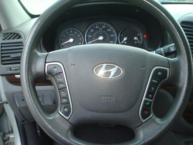 2012 Hyundai Santa Fe steering