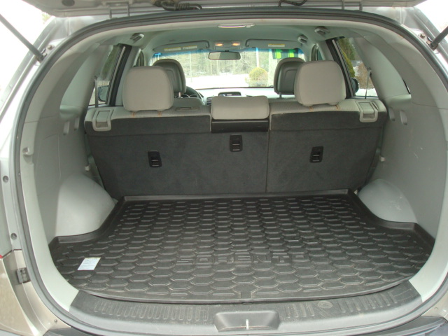 2011 Kia Sorento tail up