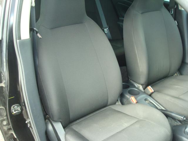 2015 Nissan Versa pass seat