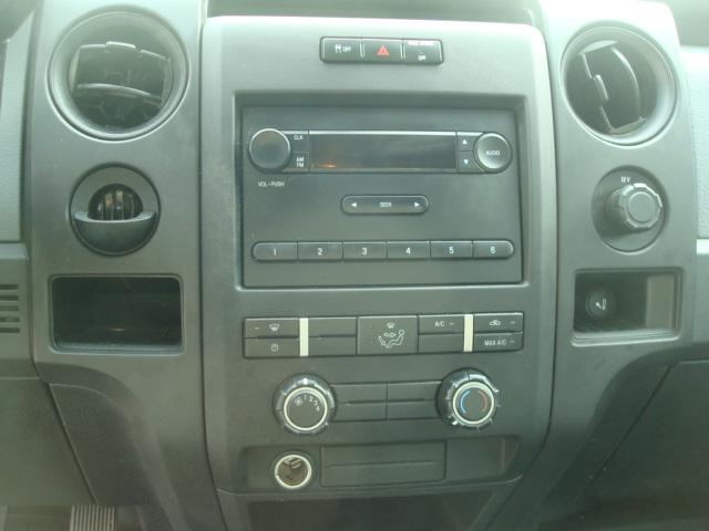 2011 Ford F-150 radio