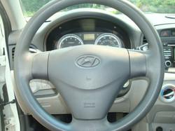 2009 Hyundai Accent steering